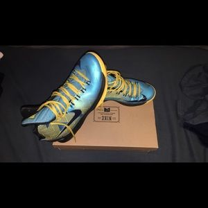 Used Kevin Durant 5's N7 size 11.5